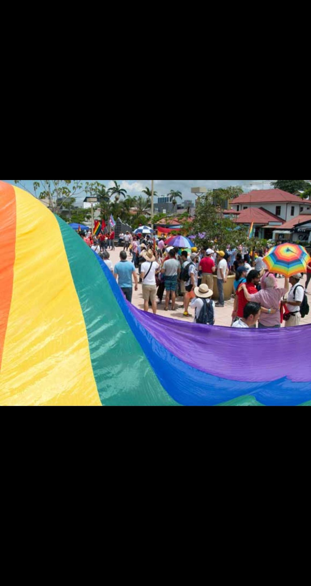 في اول سابقة من نوعها في العالم زواج مثلي بين امراتين تفاصيل مدهشه